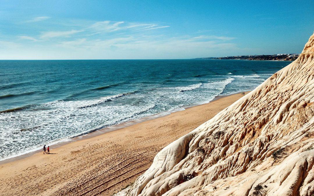 Como morar no Algarve, as informações mais importantes para aposentados.